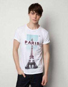 Atentos a las camisetas de estilo souvenir