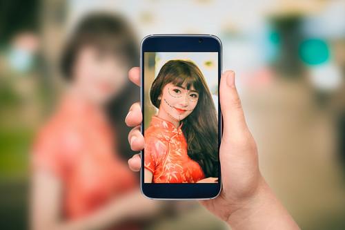 Cirugía estética de bolsillo: así son los modos belleza en móviles chinos