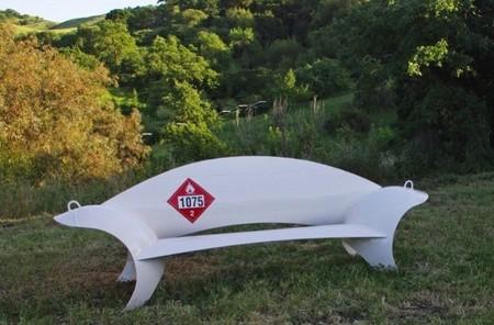 Recicladecoración: tanques de propano convertidos en asientos esculturales