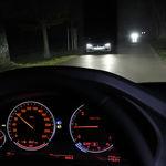 Las luces modernas alumbran mejor, pero son un riesgo para los otros conductores