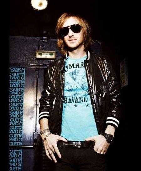 David Guetta da 'calabazas profesionales' a Paris Hilton