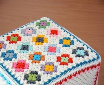Personaliza tus pufs de Ikea con crochet