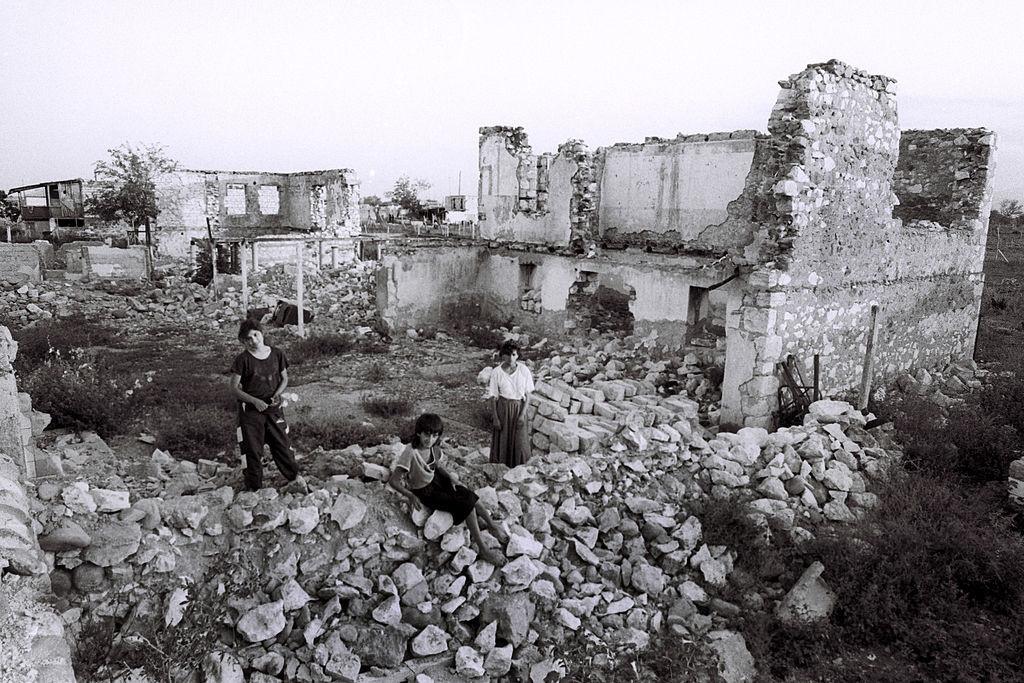 Conflicto entre Armenia y Azerbaiyán 1366_2000