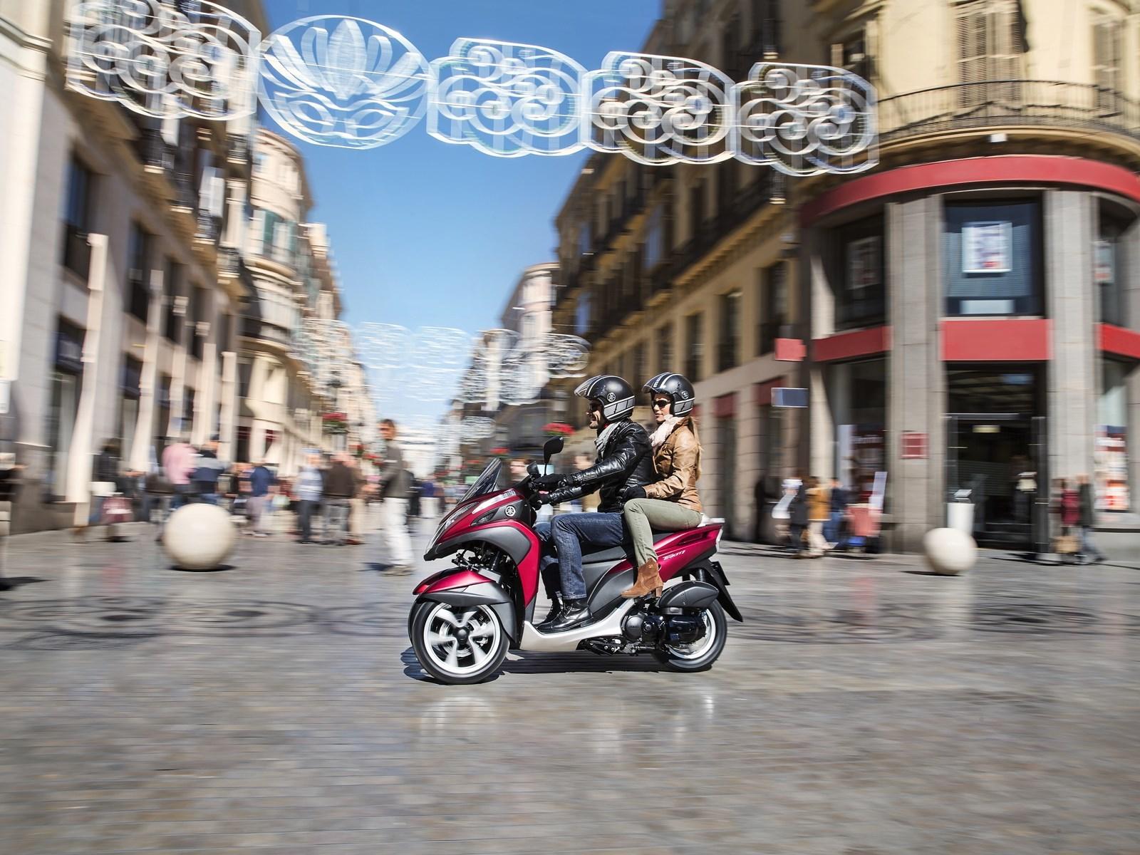Yamaha Tricity 125 cc acción