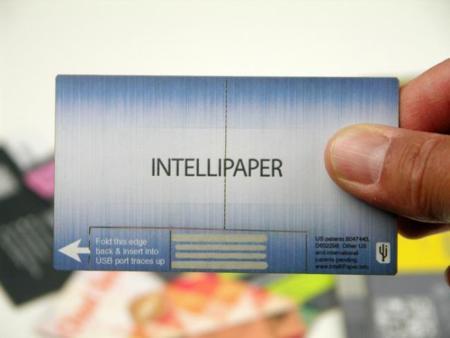 swivelCard es una tarjeta de visita de papel que se conecta por USB
