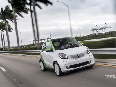 smart fortwo electric drive: al volante de un urbano divertido, con hasta 160 km de autonomía eléctrica
