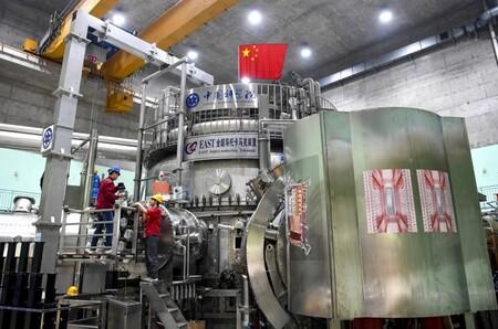 """China presume de """"sol artificial"""": su reactor de fusión nuclear alcanza los 120 millones de grados durante 101  segundos"""
