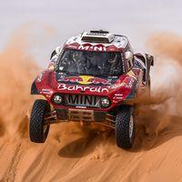 ¡Carlos Sainz está intratable! 'El Matador' gana su tercera etapa y se escapa en la general del Dakar