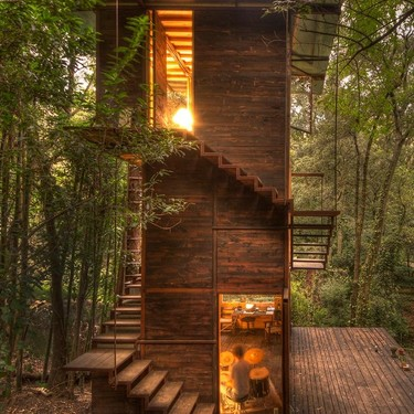 Casa flotante, una vanguardista casa en la Ciudad de México que nos recuerda una casa de árbol, pero en mucho mejor