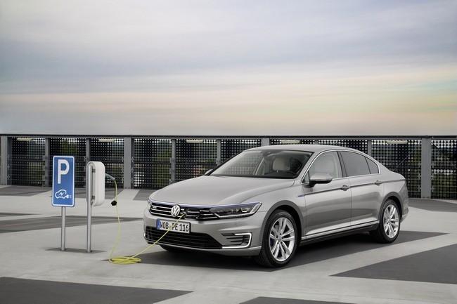 Volkswagen Passat Gte Plug Price