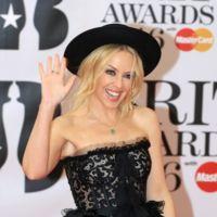 Kylie Minogue al más puro estilo ochentas en los Brit Awards 2016