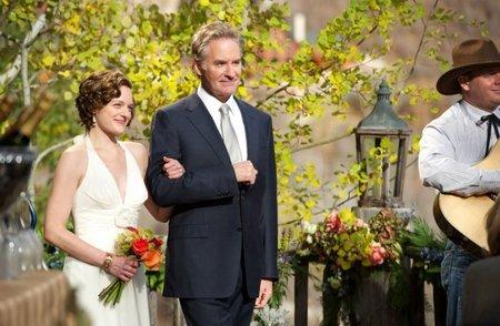 Elisabeth Moss y Kevin Kline en una escena de Por Fin Solos