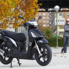Foto 11 de 53 de la galería mx-motor-c5-125-primer-scooter-de-rueda-alta-de-la-marca-espanola en Motorpasion Moto