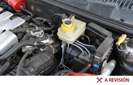 Las fugas más comunes de tu auto y qué pasa si no las atiendes