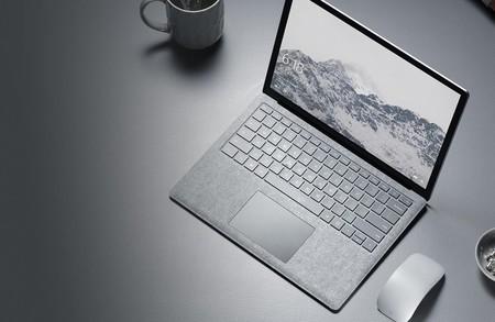 No era el momento de apostar por el USB Type-C en la Surface Laptop... eso es lo que opinan desde Microsoft