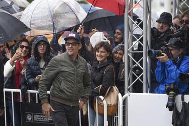 Despedimos la semana con no solo moda recibiendo en San Sebastián a Ethan Hawke y viendo a Johnny Depp tocar la guitarra con Joe Perry