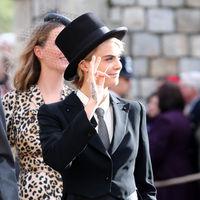 Y la sorpresa en la boda real la ha dado Cara Delevingne con su original look