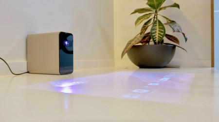 Xperia Touch, el nuevo gadget que quiere convertir cualquier superficie plana en una pantalla