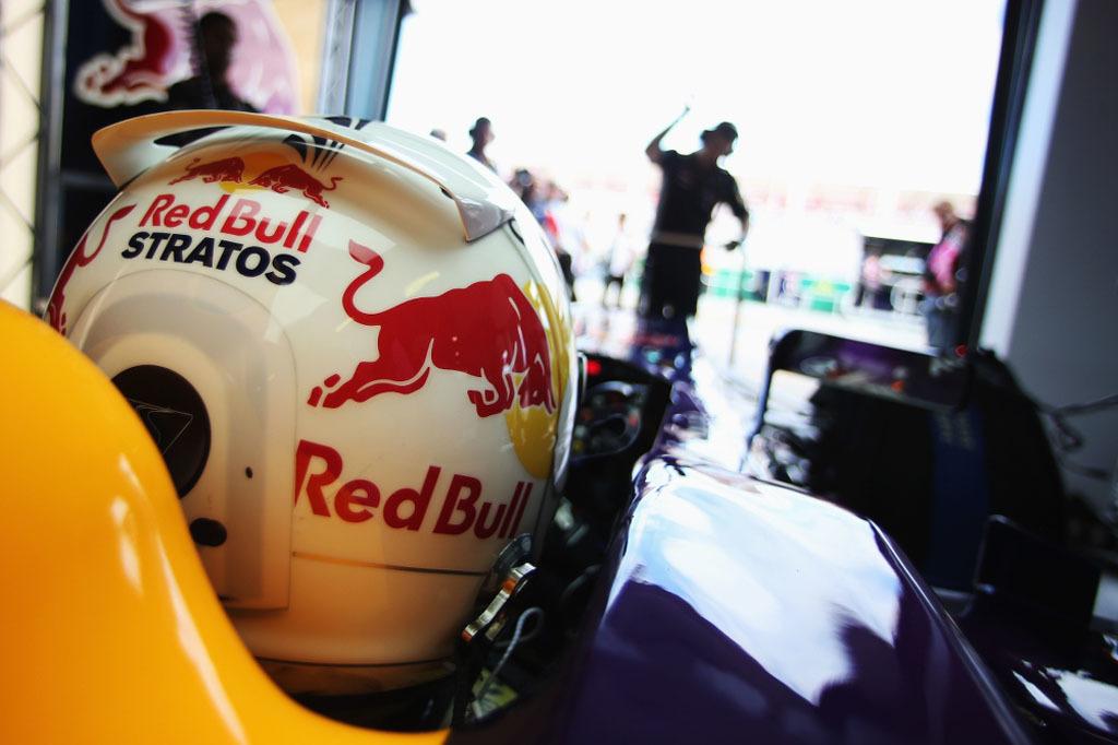 Foto de Sebastian Vettel - Red Bull Stratos (10/16)