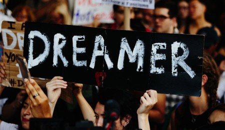 "'Hola Code', clases de programación gratis en México para ""dreamers"" deportados, con manutención incluida"