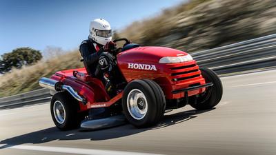 Honda logra el Récord Guinness al cortacésped más rápido del mundo