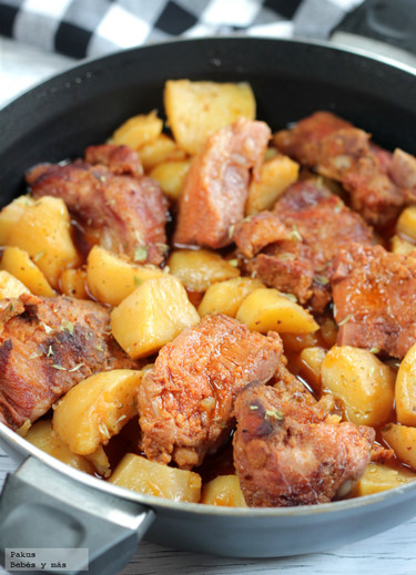 Recetas para toda la familia. Patatas guisadas con costillas adobadas