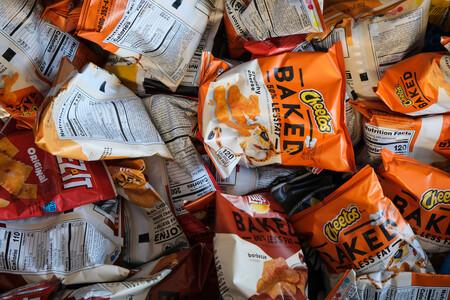 La Unión Europea prohibió los plásticos de un sólo uso. No pensó en las patatas fritas