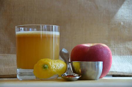 Para la prevención de la diabetes, come frutas enteras pero no jugos de frutas
