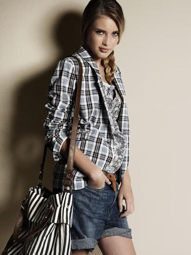 Nuevos looks de Zara de la colección Primavera-Verano 2010, jeans