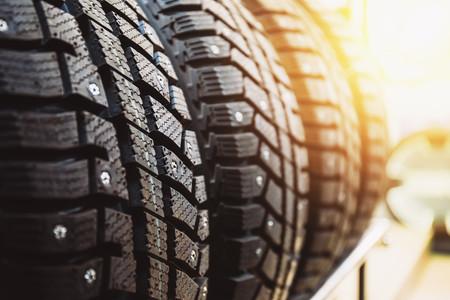 Con el calor veraniego…, ¿aún llevas puestos los neumáticos de invierno?