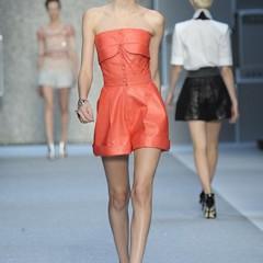 Foto 11 de 15 de la galería karl-lagerfeld-primavera-verano-2010-en-la-semana-de-la-moda-de-paris en Trendencias