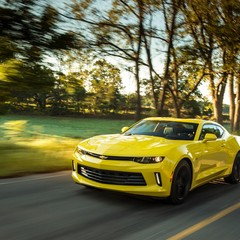 chevrolet-camaro-lt-turbo-vs-subaru-brz
