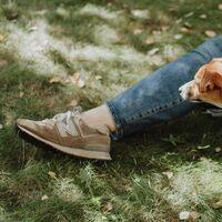 Las zapatillas de New Balance que llevan las que más saben de moda son también las más vendidas en Amazon (y están rebajadas hoy)