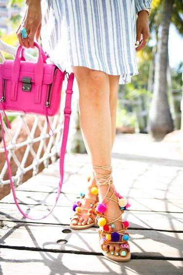 Clonados y pillados: ¿enamorada de las sandalias con pompones de colores? Gioseppo te lo pone fácil