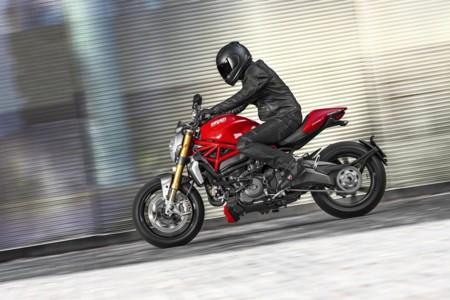Ducati Monster 1200 S 1
