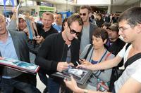Jude Law aterriza en Cannes con un look de lo más casual