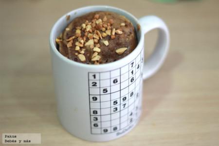 Cómo preparar un mugcake de chocolate y vainilla para merendar