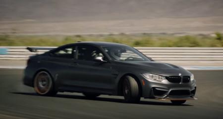 Ver y escuchar al BMW M4 GTS de lado en este vídeo es lo mejor que puedes hacer ahora mismo