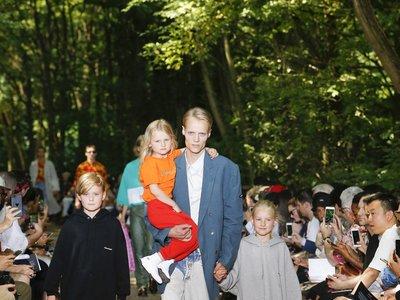 El desfile de Balenciaga ¿inspirado en el look de Kyle MacLachlan en Twin Peaks?