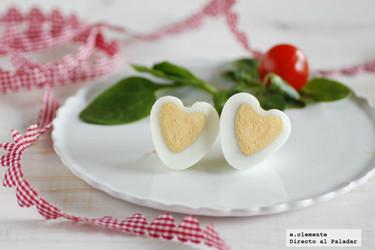 """Cómo hacer """"huevos corazón"""" para decorar tus platos en San Valentín"""