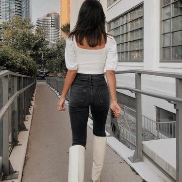 Aprovéchate de las segundas rebajas para añadir unas botas blancas a tu colección. He aquí distintas maneras de combinarlas