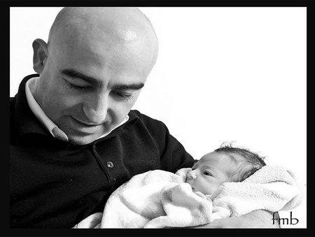 La foto de tu bebé: Ignacio en brazos de papá