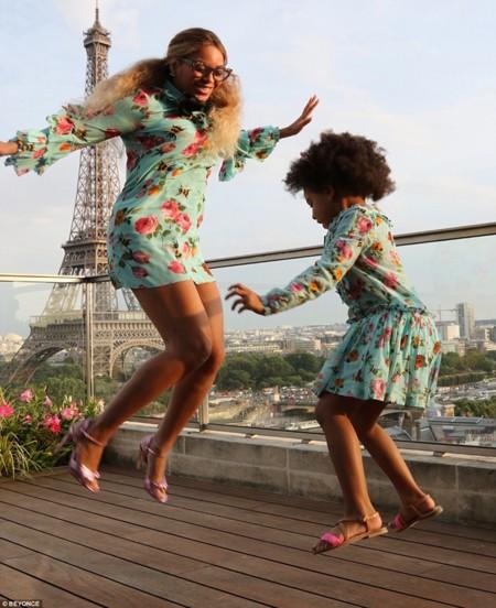 Beyonce De Gucci Como Su Hija En Paris