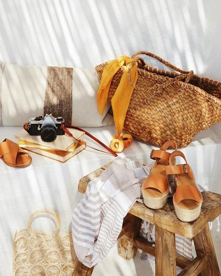 Nos vamos a la playa: todo lo que llevar en tu bolso para que no se te olvide nada