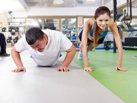 No cometas estos errores si no te quieres cansar rápido del gimnasio