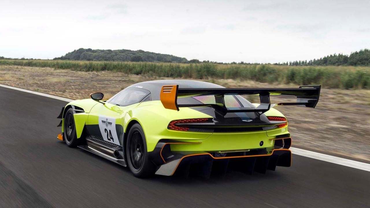 Foto de Aston Martin Vulcan AMR Pro (17/18)