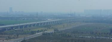 El puente más largo del mundo está en China, mide 164 kilómetros y está a 30 metros de altura