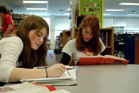 Resumen de consejos para que aprendas cómo ayudar a tus hijos a preparar exámenes
