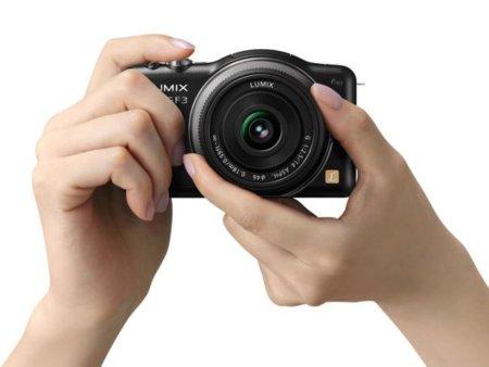La Panasonic GF3 bate récords de miniaturización