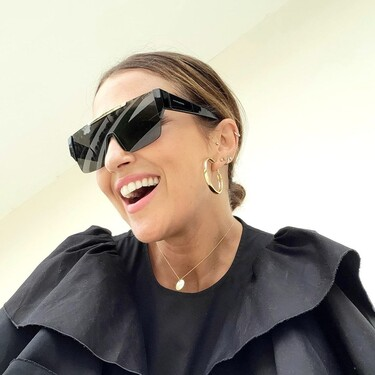 Paula Echevarría tienen el vestido negro perfecto para lucir durante todo el otoño, con looks de día y de noche